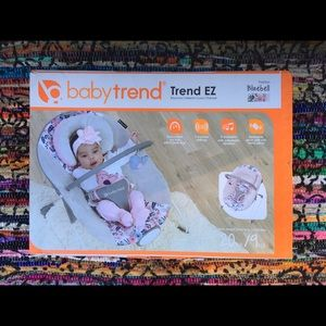 Baby Trend bouncer... (Bluebell) Trend EZ/new